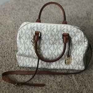 Michale Kors handbag/crossbody purse